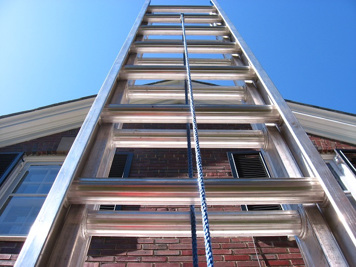 Using Ladders Safely Amp Effectively For House Painting