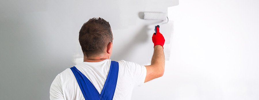 When To DIY And When To Hire A Professional Paint Contractor